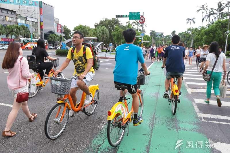 道路設計影響交通安全,應發展出適合國內交通環境的人本道路設計安全準則。(資料照,顏麟宇攝)