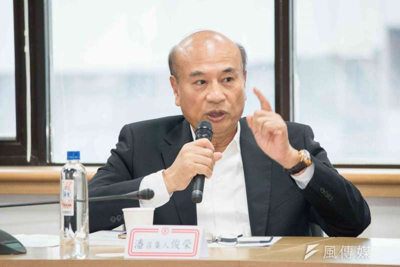 工總召集人潘俊榮於「2016年工總白皮書發表記者會」發言。(李振均攝)