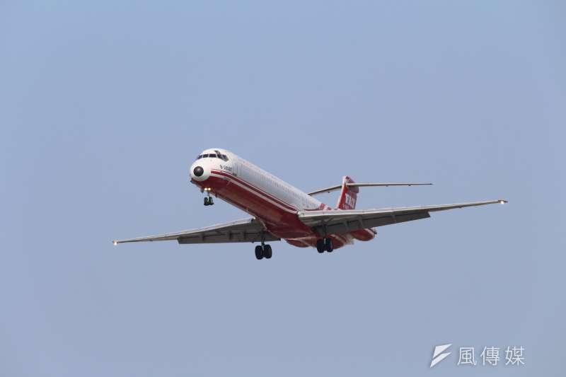 遠東航空今(6)日發出新聞稿表示,歡迎並請17名空服員自5月8日起回到公司,公司將邀集員工確認留職意願。(資料照,方炳超攝)