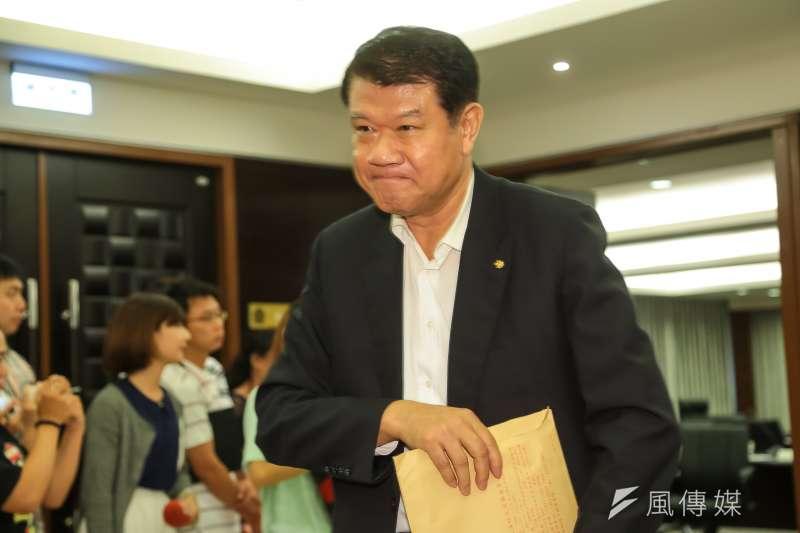 華航董事長何煖軒26日發表公開信,呼籲工會「停止『含血噴人』,停止玷污華航制服」。(資料照,顏麟宇攝)