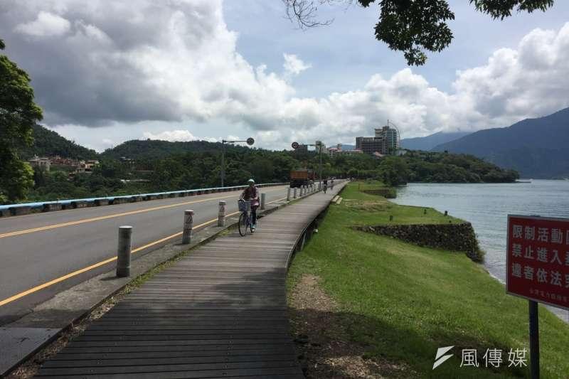 日月潭的自行車道。(呂紹煒攝)
