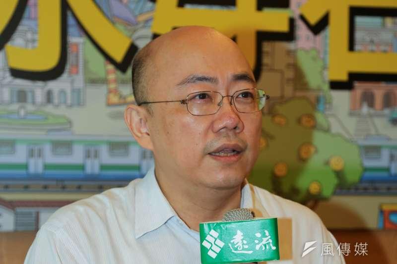 對於《美麗島電子報》10日公布的台北市長選舉民調,郭正亮表示,藍綠選民對柯文哲的支持戴度,反映了台北市民對民進黨執政不力的反彈,顯然高於對國民黨持續內鬥的失望。(資料照,余志偉攝)\
