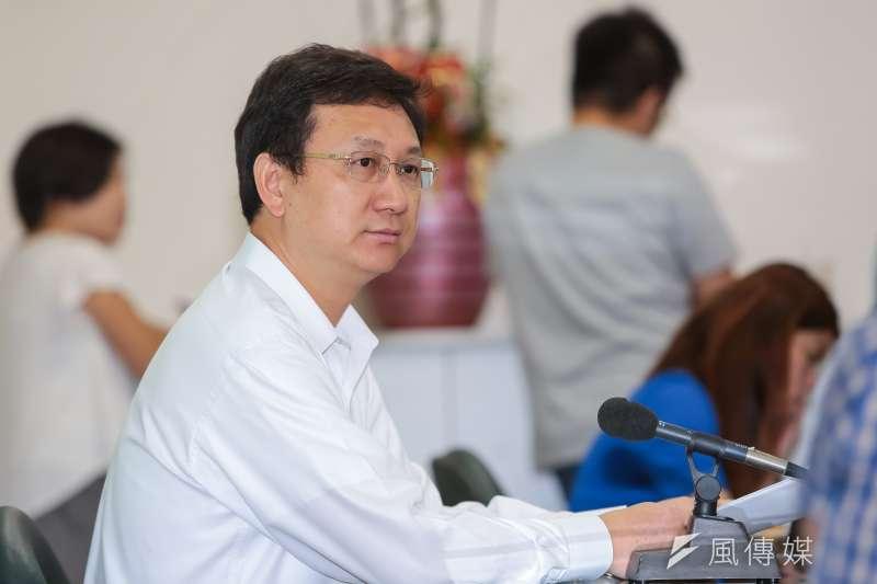 中天記者張禹宣質疑,依法看來,林子揚是外交部長的機要秘書,應留在本部,為何可以駐泰國?圖為我駐泰代表童振源。(資料照,顏麟宇攝)