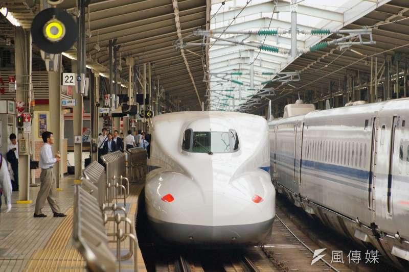 日本新幹線列車 盧逸峰攝