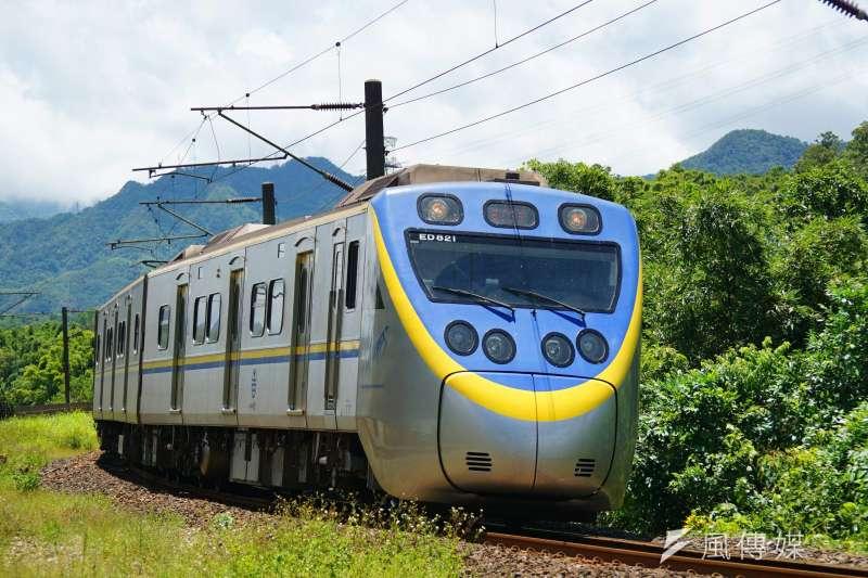 台鐵28日上午再傳出發生鋼軌斷裂的事件,造成雙線列車均有延誤。示意圖,非關新聞個案。(資料照,盧逸峰攝)