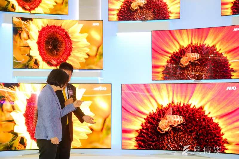 財信傳媒董事長謝金河昨(3)日在臉書表示,上市櫃公司陸續公布第三季季報,讓他直呼「台灣的慘業真的翻身了!」(資料照,陳明仁攝)