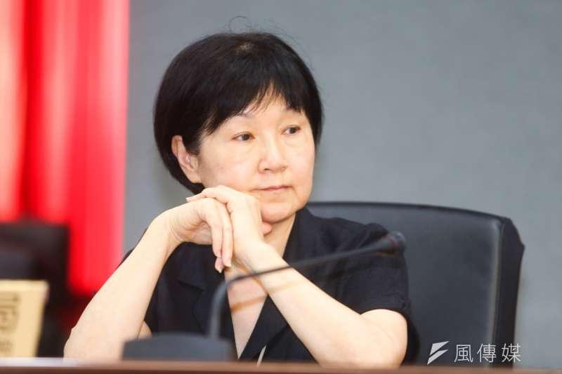台北市政府法務局長楊芳玲於議會開議第一天即請辭,台北市長柯文哲表示,「尊重她的意見」。(陳明仁攝)