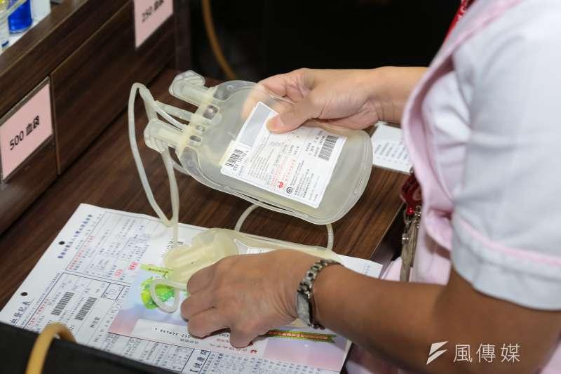 作者指出,各縣市政府若想解封三級警戒,務必立即進行各轄區的血清抗體調查,搭配抽樣的無症狀民眾PCR檢測,及早擬定正確的防疫戰略。示意圖。(資料照,顏麟宇攝)