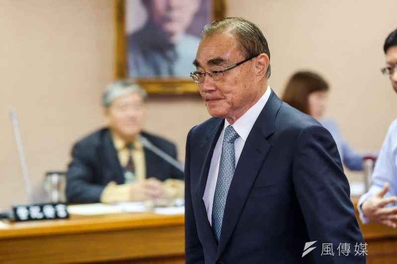20161006-國防部長馮世寬6日出席國防委員會提早請假離席。(顏麟宇攝)