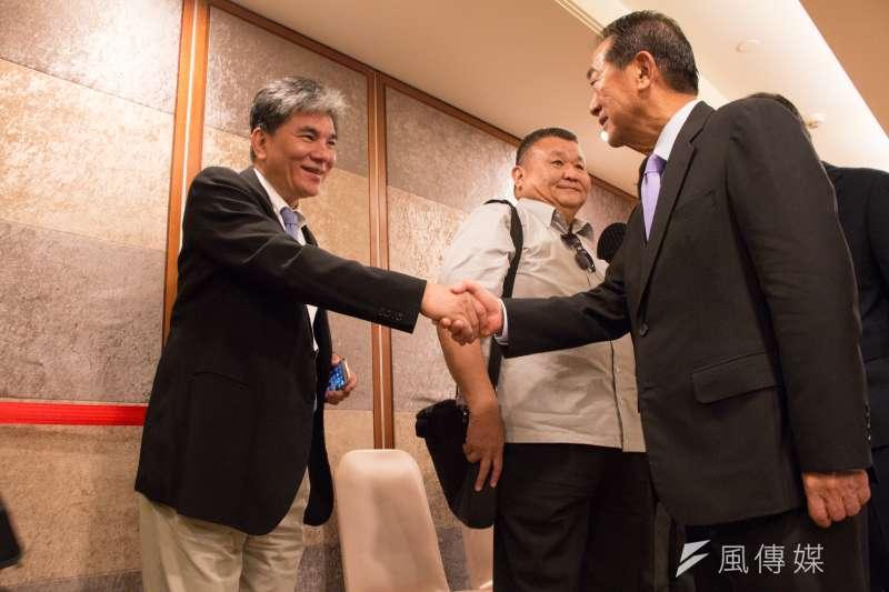 前內政部長李鴻源,出席宋楚瑜長榮桂冠記者會。(李振均攝)