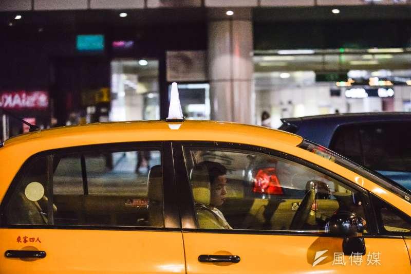 20161022-上祚專題配圖-各種不同職業勞工-計程車駕駛。﹝甘岱民攝﹞