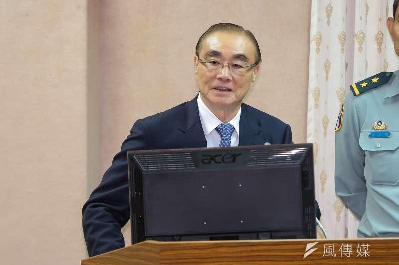 20161102-國防部長馮世寬2日於國防委員會備詢。(顏麟宇攝)