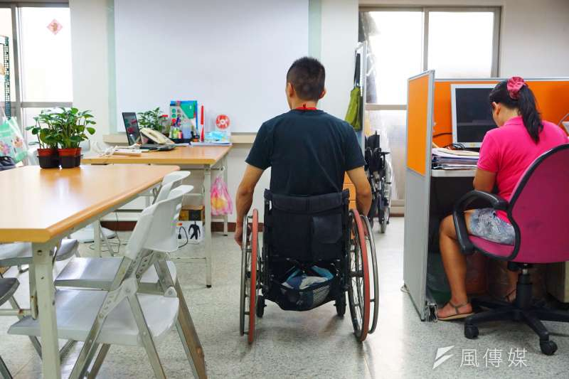 社會局長許立民14日在市議會表示,針對障礙者機構收不滿額,未來第1年強制須有8成收容率,第2年9成,否則1天罰款500元。(資料照,盧逸峰攝)