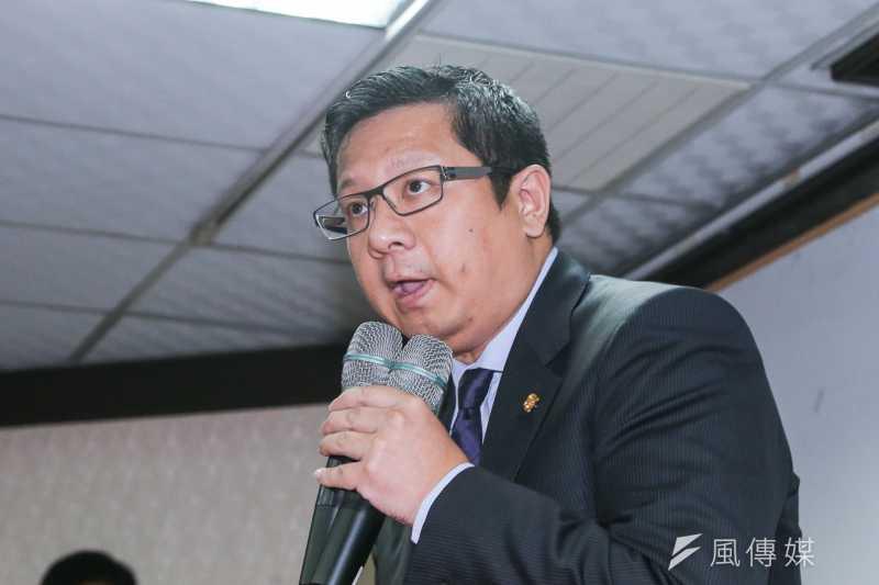 復航董事長林明昇說明為何決定解散公司。(陳明仁攝)