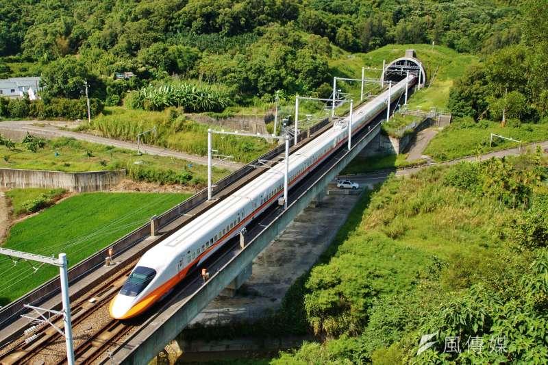 交通部長林佳龍於今(23)日上午表示,高鐵延伸宜蘭案初步評估可行。(資料照片,盧逸峰攝)
