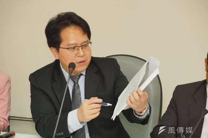 民進黨立委邱志偉、蘇震清等人提案修改《社會秩序維護法》第63條條文,擬增假新聞條款。(資料照,盧逸峰攝)