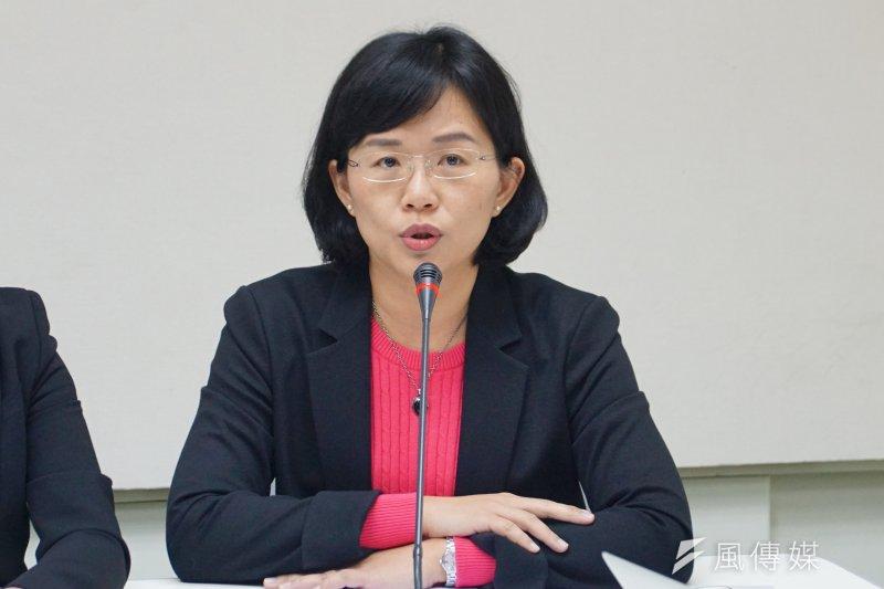 民進黨「新北預辦登機落空?」記者會,立委蘇巧慧發言。(盧逸峰攝)
