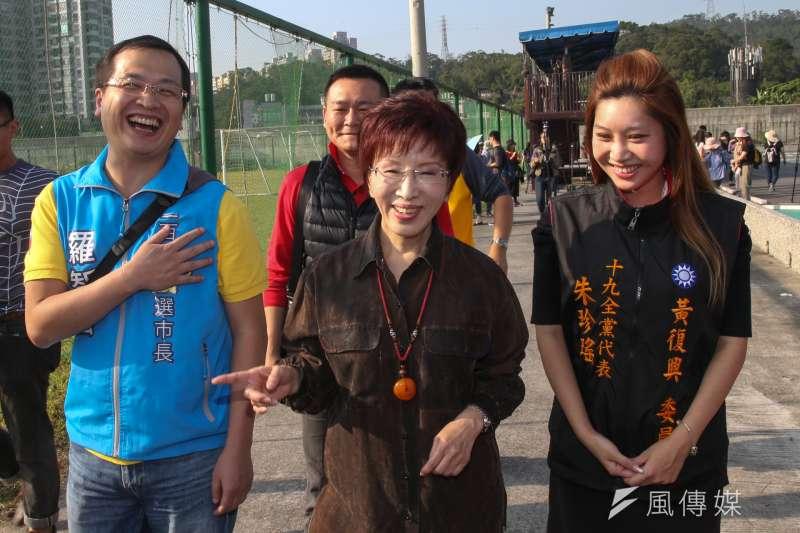 洪秀柱2日出席羅智強舉辦的健走活動,被問及黨務高層的出走潮,洪表示要再多溝通,很累不表示會辭職。(陳明仁攝)