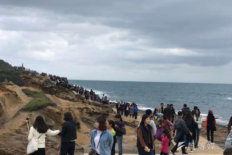 中國官方7月31日公告,8月1日起暫停發放47個自由行城市人民來台的自由行通行證;圖為台灣北部的觀光勝地野柳。(資料照,呂紹煒攝)