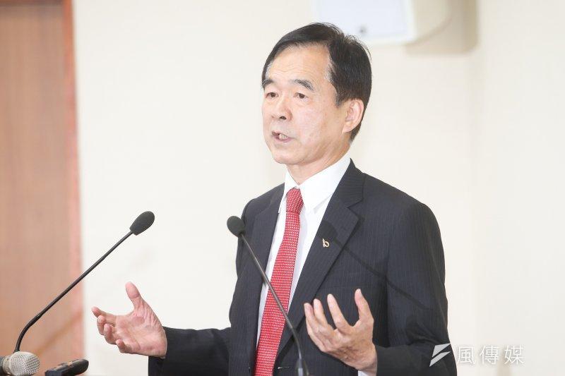 國民黨中常會特地請台北市商業會理事長王應傑來談一例一休所帶來的衝擊。(陳明仁攝)