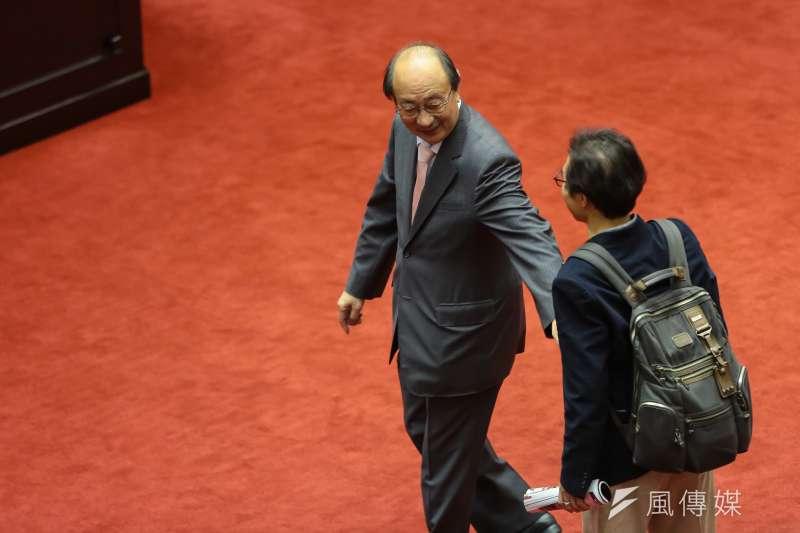 20170105-民進黨總召柯建銘5日出席臨時會。(顏麟宇攝)