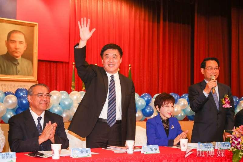 繼7日表態參選黨主席後,郝龍斌9日上午再度於臉書發文,主張國民黨要破除「一人領導、眾星拱月」的宮廷文化,將「一人領導」改為「集體領導」。(資料照,陳明仁攝)