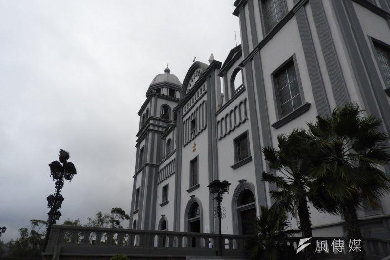 20170109-總統蔡英文參觀位在宏都拉斯首都德古西加巴的宏京大教堂(Basilica de Suyapa)。(石秀娟攝)