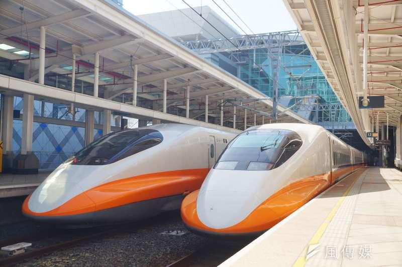 國慶連假最後一天,為了疏運北上人潮,高鐵13日宣布下午及晚間共加開2班次北上各站停靠的全車自由座列車(商務車廂除外)。示意圖。(資料照,盧逸峰攝)
