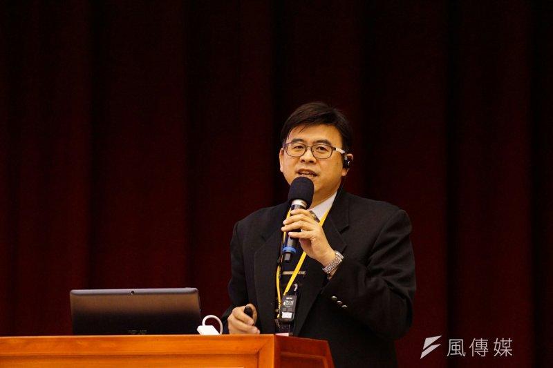 台灣反對廢除死刑的民意居高不下,司法人員在量刑時承受不小壓力,對此錢建榮表示,司法者「本來就不要那麼害怕民意」,因為「司法者幫的就是少數人」。(盧逸峰攝)