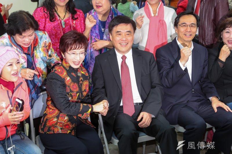 國民黨主席洪秀柱、副主席郝龍斌3日出席國民黨台北市黨部新春團拜。(顏麟宇攝)