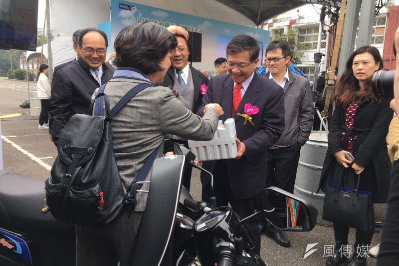 經濟部長李世光出席電動機車成果展(尹俞歡攝)