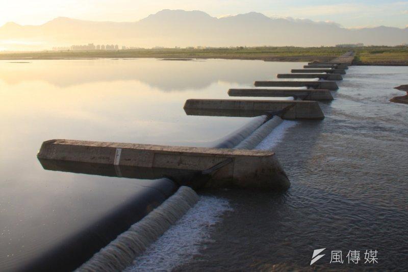 高屏溪的流量比平均流量少約1成。南水局表示,一期稻作灌溉供水正常,農業用水供應無虞。(資料照,經濟部水利署)