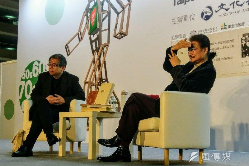 在2017台北國際書展中,前民進黨主席施明德針對美麗島事件與白色恐怖時期的過往,與作家楊照進行對談。(陳俐穎攝)