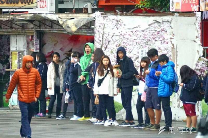 氣象局指出,第22號颱風蘇拉26日將「相對接近」台灣,未來預計隨蘭恩颱風腳步從琉球北上。(資料照,盧逸峰攝)