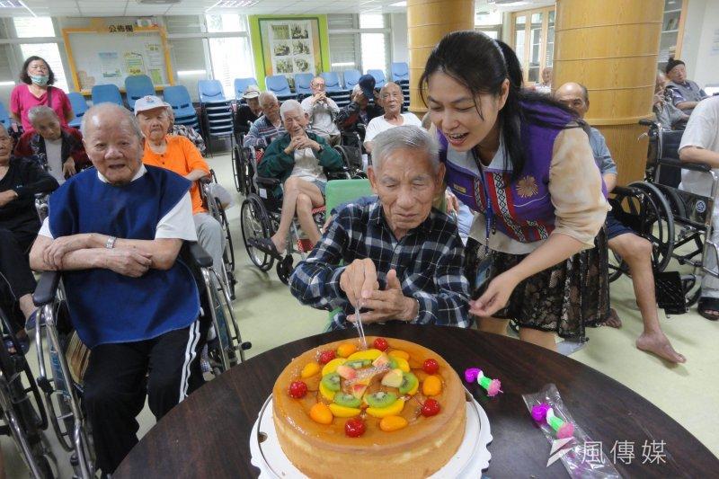 退輔會榮民之家首度開放65歲以上民眾申請入住,預計本月15日開始申請。(取自退輔會網站)