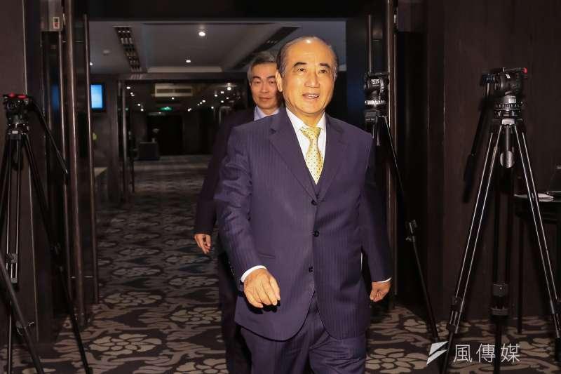 20170215-前立法院長王金平於中華文化總會執委會議後才姍姍來遲。(顏麟宇攝)