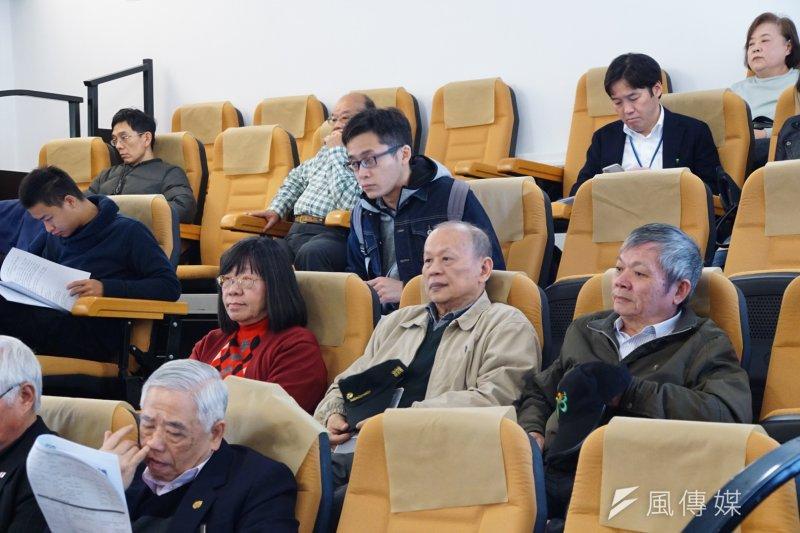20170217-二二八70週年紀念系列活動記者會,民眾專心聆聽(盧逸峰攝)