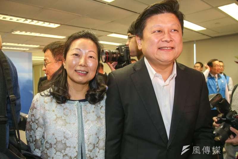 國民黨籍的花蓮縣長徐榛蔚(左起)曾在立委選戰中替先生傅崐萁助選,國民黨考紀會對其祭出停權處分。(資料照,陳明仁攝)