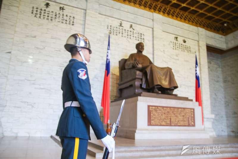 在反對移除台北市所有蔣公銅像政策上,柯文哲獲得68.3%的市民支持。(資料照,陳明仁攝)