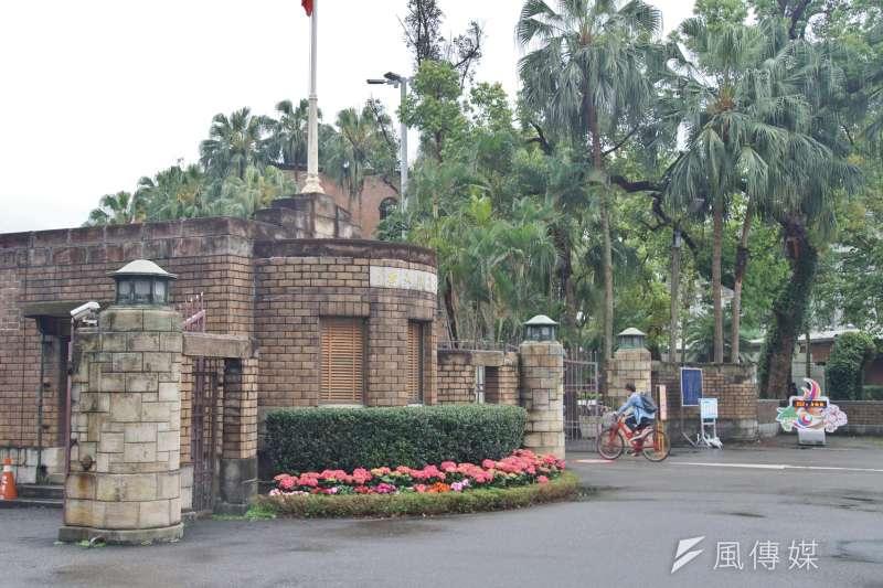 台灣大學校門口一景。(盧逸峰攝)
