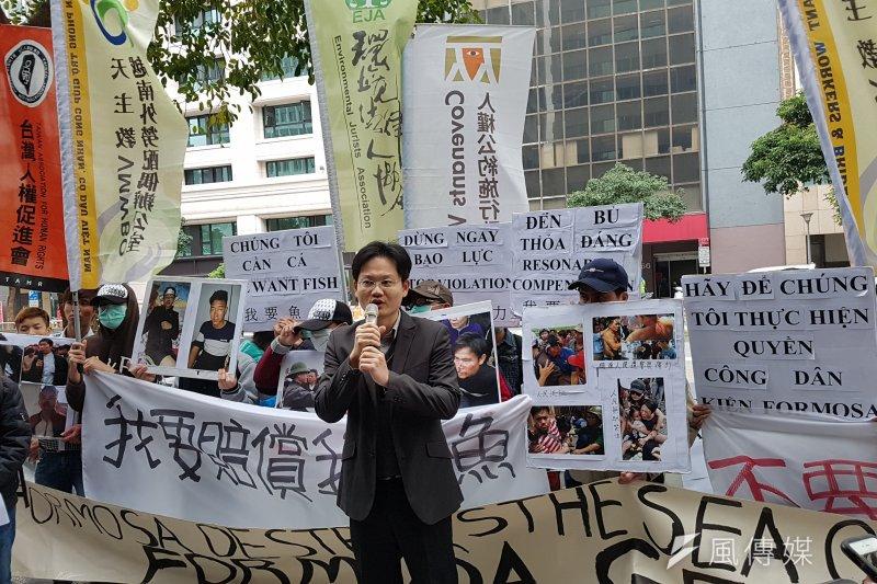 環境法律人協會理事長張譽尹痛批,越南人民拒絕「台灣企業與越南政府聯手的結構性剝削」。(陳煜攝)
