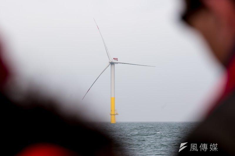 環保署17日審查永傳的福海彰化離岸風力發電計畫,因目前預定開發量早已超標、生態影響大等原因,首度要求離岸風電業者須做二階環評。圖為示意圖,非該風場。(資料照,顏麟宇攝)
