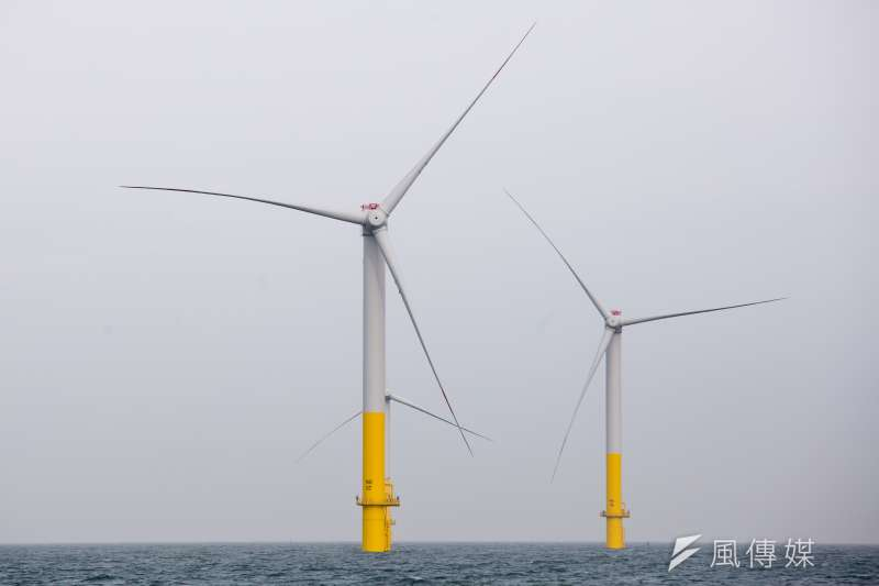 能源局訂定離岸風電遴選辦法,規劃每1MW的裝置容量要繳交新台幣900萬的履約保證金,業者抱怨金額是歐洲的2倍,「看到都嚇一跳!」(資料照,顏麟宇攝)