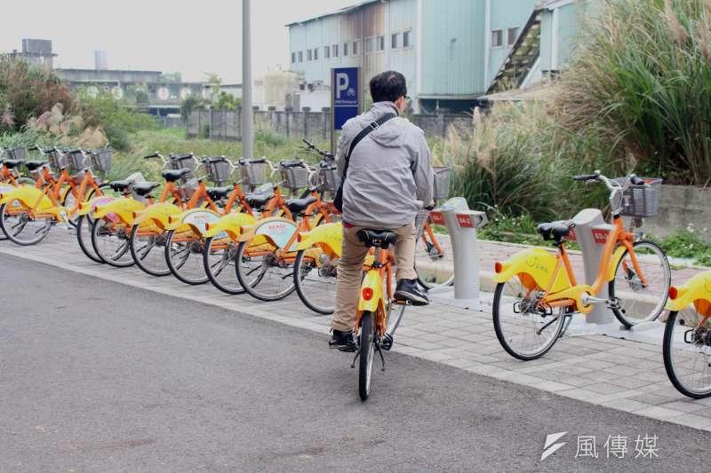 2017-03-19-小超哥youbike專題-捷運山鼻站外,youbike車就顯得比較多。(方炳超攝)