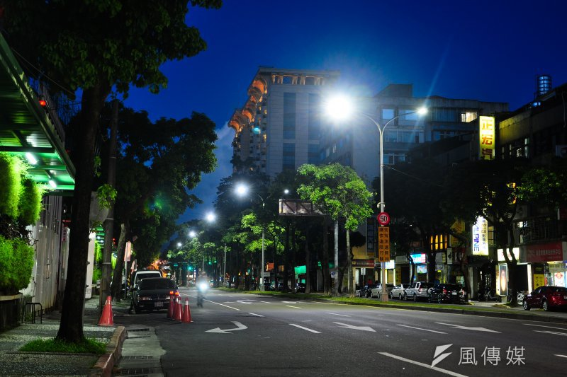 健康路周邊LED燈照明換裝工程完工景象。(台北市政府提供)