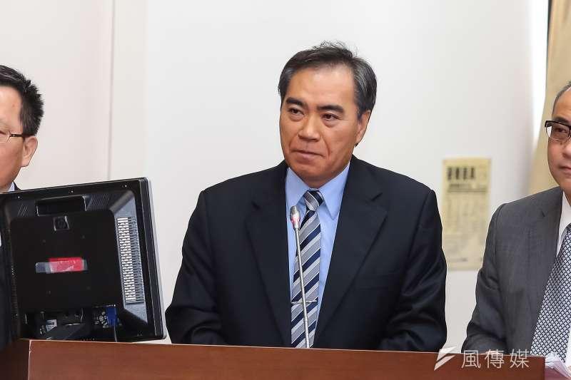 台灣菸酒公司董事長吳容輝今(17)確定出線嘉義縣副縣長,曾前後擔任4位縣長的副手的他,此次回鍋也備受外界矚目。(資料照,顏麟宇攝)