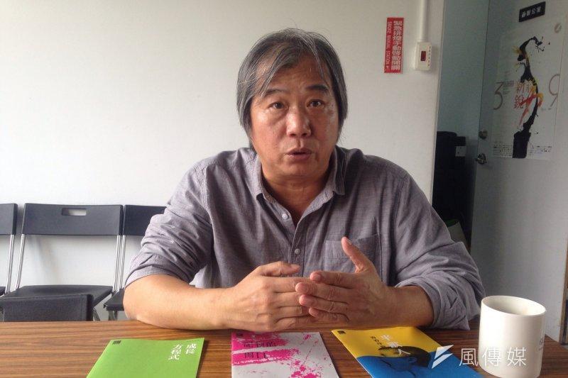 「2017年桃園電影節」擔任藝術總監的吳乙峰,希望推動桃園在地紀錄片的發展。(蔡孟筑攝)