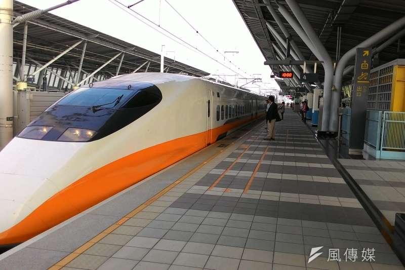 桃園機場捷運通車後,旅客搭乘高鐵至桃園站,轉乘接駁更加便利。(圖/賴元煌攝)