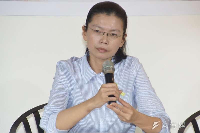 李明哲太太李凈瑜將在10日啟程前往北京,希望能探視她的先生。海基會官員今天指出,即使出發前沒有獲得大陸的入境許可,海基會一定會派員陪李凈瑜,「能跟到哪是哪」。(資料照,盧逸峰攝)