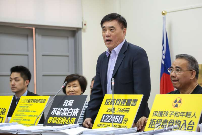 黨代表黨齡爭議不斷,國民黨副主席郝龍斌今(6)日表示,若中常委有意見,那就先暫停黨代表選舉,直接進行黨主席選舉。(顏麟宇攝)